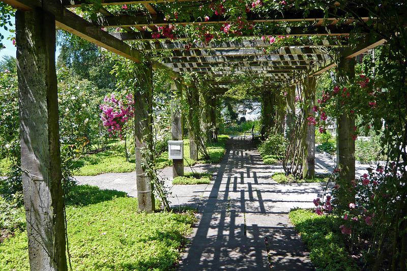 Fiches individuelles reader bottin de famille for Restaurant jardin botanique